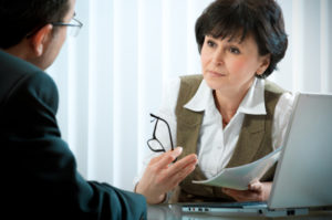 Die betriebsbedingte Kündigung erfolgt, wenn wirtschaftliche Gründe gegen die Weiterbeschäftigung sprechen.