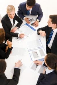 Wird die betriebsbedingte Kündigung angestrebt, ist der Betriebsrat vorher anzuhören.