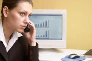Arbeitszeiten müssen durch Pausen unterbrochen werden - die gesetzliche Regelung schreibt eine 30-minütige Unterbrechung vor, wenn die Arbeitszeit pro Tag maximal neun Stunden dauert.