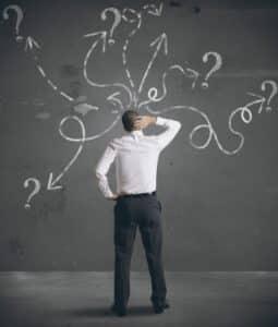 Muss man Überstunden machen? In der Regel kommt es darauf an, was im Arbeitsvertrag oder Tarifvertrag steht.