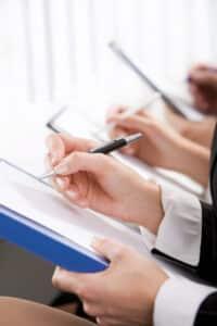 Eine Kündigung bei der Gewerkschaft IG BAU hat schriftlich zu erfolgen, um wirksam zu sein.
