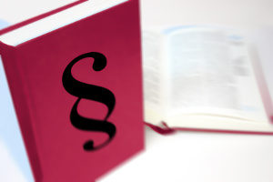 Zur Abfindung gibt es eine gesetzliche Regelung. Sie wird häufig bei einer betriebsbedingten Kündigung gezahlt.