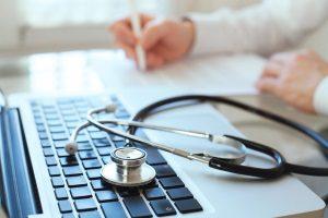 Insbesondere für Ärzte besteht eine Pflicht zur Fortbildung.