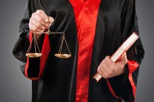 Der Rechtsanwalt für Arbeitsrecht in Bielefeld hilft, wenn Sie in der Klemme stecken.