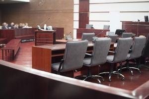 Klärung durch das Bundesarbeitsgericht: Fragen zu Minusstunden wurden teilweise schon in höchstrichterlicher Instanz geklärt.