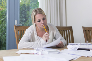 Wie lassen sich unzulässige Klauseln im Arbeitsvertrag ausmachen?