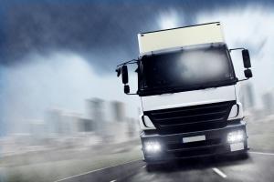 Bei einem Arbeitsvertrag für Kraftfahrer sollten Sie auf die einzelnen Klauseln achten.