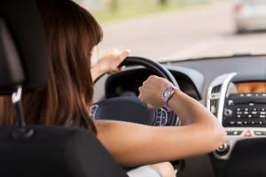 Wird Fahrzeit als Arbeitszeit angesehen, müssenArbeitnehmer nach gültigem Arbeitsrecht auch für die einzelnen Fahrten bezahlt werden.