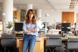 Der Arbeitsvertrag: Ein leitender Angestellter muss diesen ebenso ernstnehmen wie andere Mitarbeiter.
