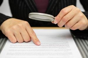 Ein Arbeitsvertrag für Angestellte sollte keine rechtlichen Fragen offen lassen.