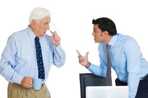Großelternzeit bedarf nicht der Zustimmung des Arbeitgebers. Sie muss aber rechtzeitig angekündigt werden.