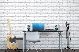 Im Home-Office können nötige Möbel von der Steuer abgesetzt werden.