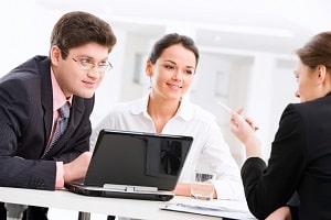 Umschulung durch das Arbeitsamt: Eine Förderung kann beantragt werden.
