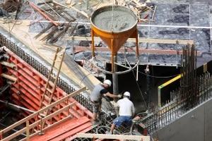 Das Arbeitssicherheitsgesetz verpflichtet einen Arbeitgeber dazu, eine Fachkraft für Arbeitssicherheit einzustellen.
