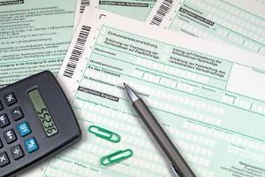 Wenn Sie bei der Heimarbeit einem Job auf 450-Euro-Basis nachgehen, müssen Sie keine Steuern zahlen.