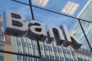 Bekomme ich bei Banken einen Kredit, ohne einen festen Arbeitsvertrag vorzulegen?