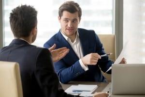 Die Unterweisung zur Arbeitssicherheit der Mitarbeiter gehört zu den wichtigsten Pflichten des Arbeitgebers.