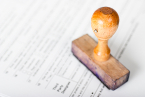 Leiharbeit: Um Zeitarbeit als Unternehmen durchführen zu können, muss im Vorfeld eine Genehmigung eingeholt werden.