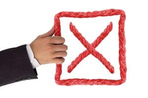 Das Dienstzeugnis: Mit dem Inhalt darf der Vorgesetzte dem Mitarbeiter keine Steine in den künftigen Berufsweg legen.