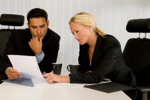 Am Ende sollten die Ergebnisse vom Mitarbeitergespräch im Protokoll festgehalten werden.