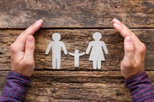 Informationen zu Elterngeld und Elternzeit finden Sie hier.