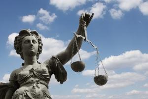 Bei einer Kündigungsschutzklage beträgt die Frist 3 Wochen nach Erhalt der Kündigung.